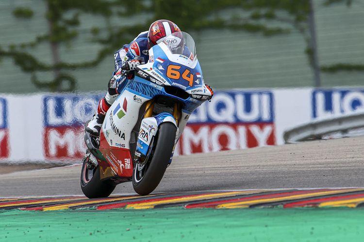 Pebalap Pertamina Mandalika SAG Team, Bo Bendsneyder, saat balapan pada Moto2 Jerman 2021