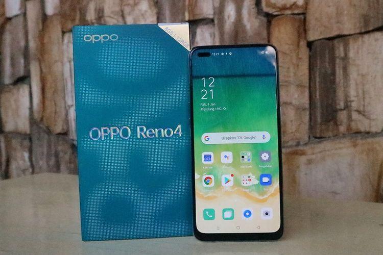 Kotak kemasan dan sisi muka Oppo Reno4.