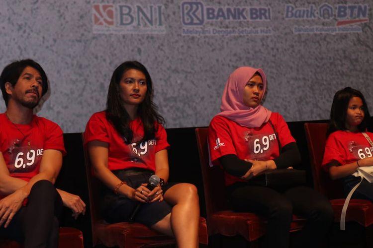 Jumpa pers film 6.9 Detik di kawasan Epicentrum, Kuningan, Jakarta Selatan, Rabu (18/9/2019). (dari kiri) Ariyo Wahab, Lola Amaria, dan Aries Susanti Rahayu.