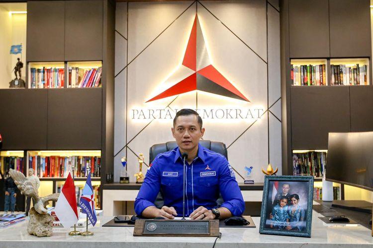 Ketua Umum Partai Demokrat Agus Harimurti Yudhoyono (AHY) saat melaksanakan telekonferens dengan para kader Demokrat yang menjadi kepala daerah di Jawa Timur, Rabu (23/6/2021).