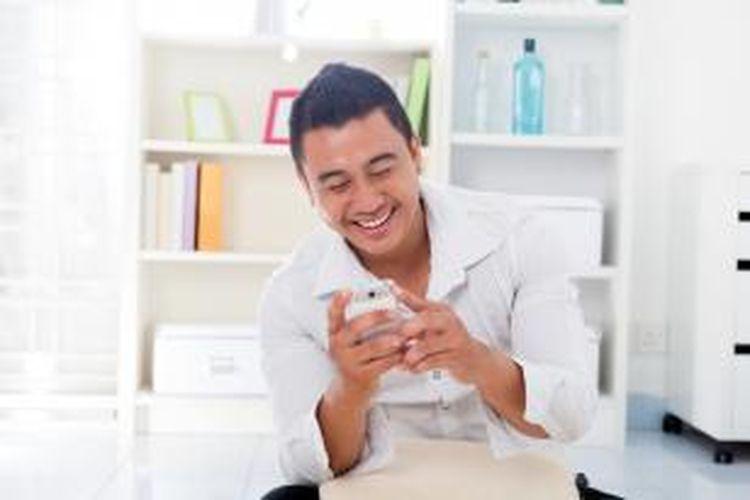 Unduh aplikasi di akhir pekan menjadi salah satu kebiasaan yang dilakukan orang Indonesia sejak kehadiran smartphone.