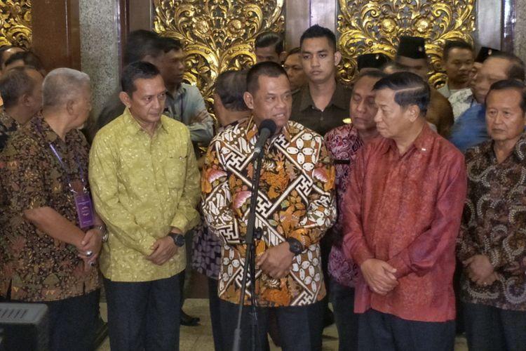 Panglima TNI Jenderal Gatot Nurmantyo saat memberikan keterangan pers usai menghadiri acara Malam Akrab Musyawarah Nasional Persatuan Purnawirawan ABRI (Pepabri) di Hotel Kartika Chandra, Jakarta Selatan, Rabu (22/11/2017) malam.