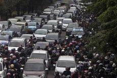 Mobil Murah Vs Perbaikan Transportasi Publik, Ini Solusinya...