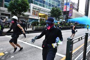 Bubarkan Demonstran, Polisi Hong Kong 'Tak Sengaja' Tembakkan Meriam Air ke Arah Masjid