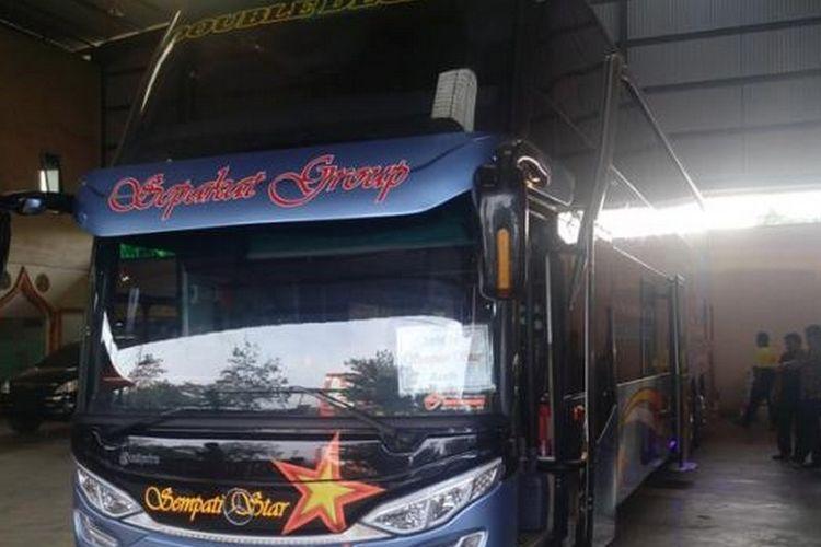 Armada bus tingkat dari Sempati Star.