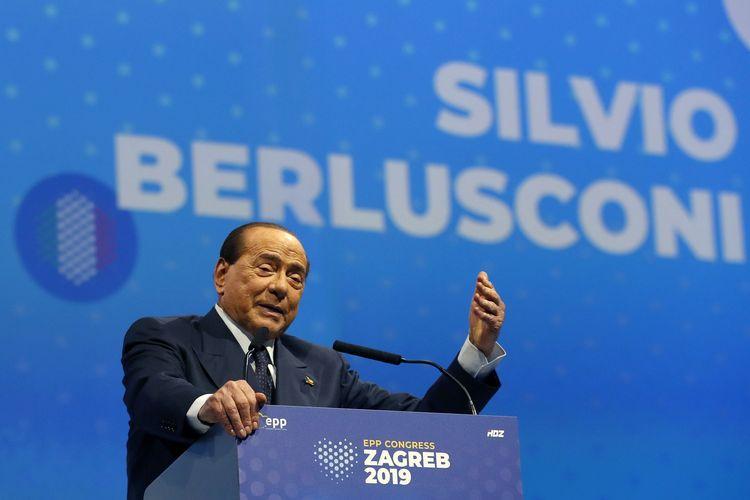 Eks PM Italia Silvio Berlusconi yang merupakan Presiden Partai Forza Italia, berpidato di kongres European People's Party (EPP) di Zagreb, Kroasia, 21 November 2019.