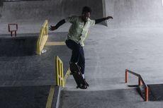 Skaters Puji Lintasan Skatepark di Kolong Flyover Pasar Rebo