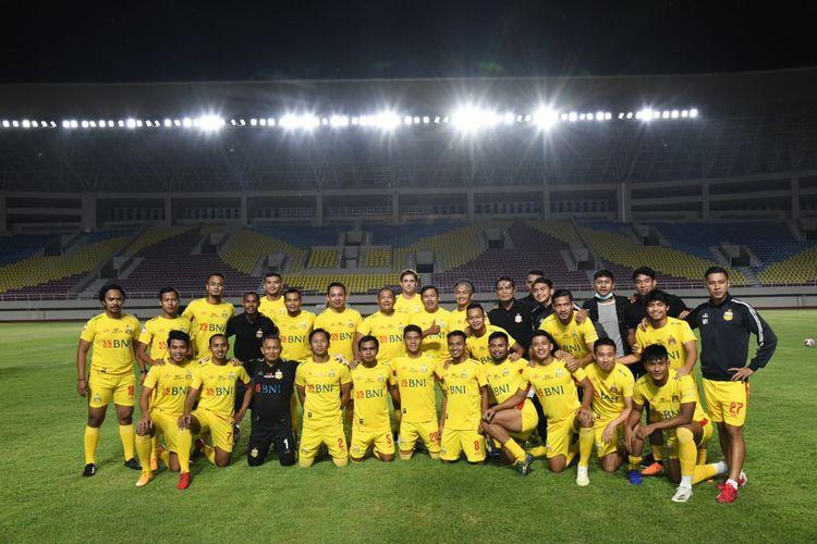 Manajemen Bhayangkara Solo FC menjajal Stadion Manahan, Solo, Jawa Tengah dengan melakoni laga persabahatan melawan Pemkot Surakarta, pada Jumat (27/11/2020) lalu.