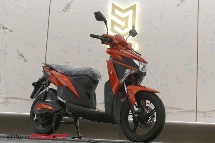 Electro, skuter listrik Mobil Anak Bangsa (MAB)