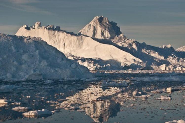 Hilangnya gletser di Greenland mengarah langsung ke kenaikan permukaan laut, yang pada akhirnya meningkatkan risiko banjir bagi jutaan orang.