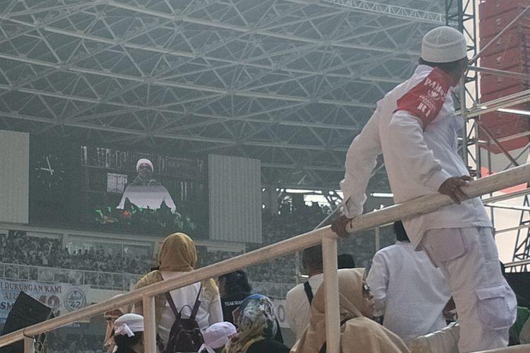 Imam Besar Front Pembela Islam (FPI) Rizieq Shihab memaparkan 10 alasan yang menurut dia membuat para pendukung antusias menghadiri kampanye pasangan capres-cawapres nomor urut 02 Prabowo Subianto-Sandiaga Uno.  Kesepuluh alasan itu ia sampaikan melalui tayangan video yang diputar saat kampanye akbar Prabowo-Sandiaga di Stadion Gelora Bung Karno (GBK), Senayan, Jakarta, Minggu (7/4/2019).
