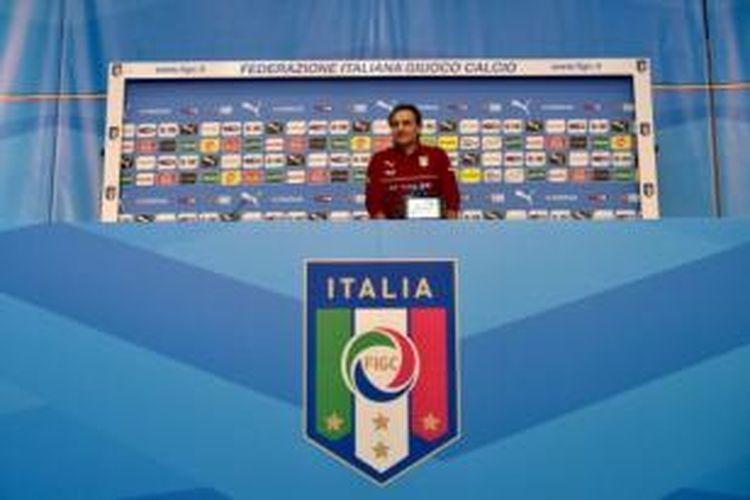 Pelatih tim nasional Italia, Cesare Prandelli.