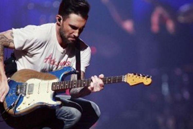 Lirik dan Chord Lagu Nothing Lasts Forever dari Maroon 5