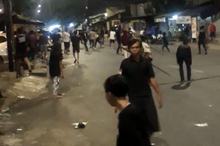 Tawuran antarwarga terjadi di Jalan Manggarai Utara II, Tebet, Jakarta Selatan pada Minggu (17/1/2021) sekitar pukul 23.30 WIB.