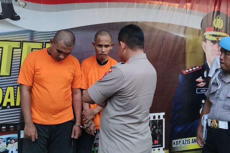 SN dan RG, dua pencuri sepeda gunung jutaan rupiah ditangkap Polres Metro Depok, Kamis (27/2/2020).