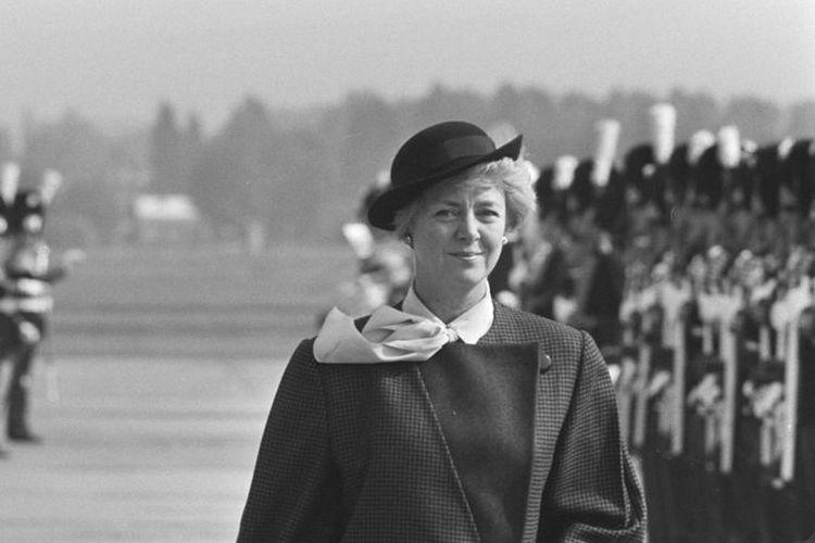 Vigdís Finnbogadóttir, presiden perempuan pertama di dunia.