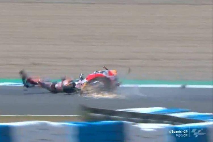 Marc Marquez terjatuh saat balapan di seri pertama MotoGP 2020 di Sirkuit Jerez, Spanyol