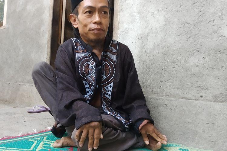 Sahnan saat ditemui wartawan kompas.com di rumah miliknya, di Desa Bunut Baok, Lombok Tengah