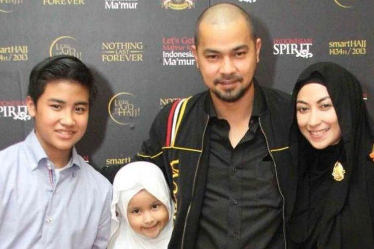 Keluarga Sultan Djorghi dan Annisa Trihapsari