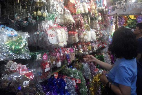 Mulai dari Pernak-pernik hingga Pohon Natal, Semua Ada di Pasar Asemka