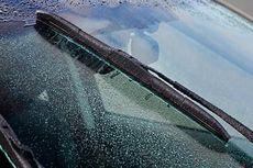 Pemilik Mobil Wajib Cek Karet Wiper, Ini Alasannya