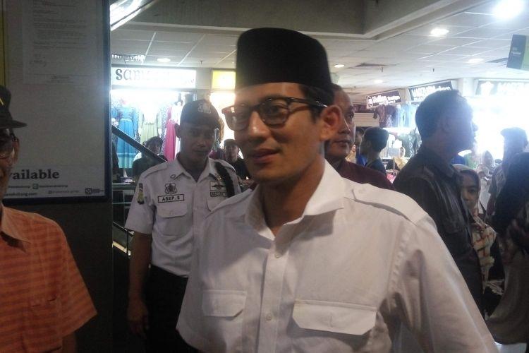 Calon wakil gubernur DKI Jakarta, Sandiaga Uno saat di kawasan Tanah Abang, Jakarta Selatan, Kamis (9/3/2017).