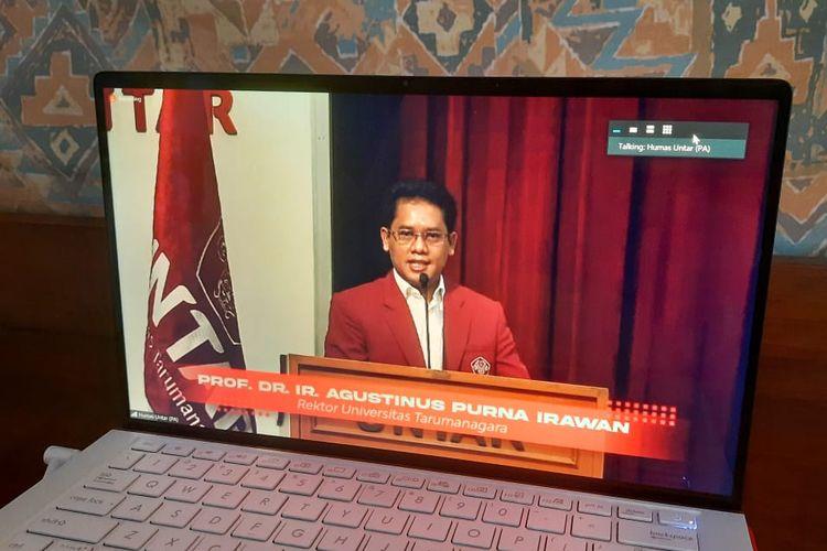Rektor Universitas Tarumanagara Agustinus Purna Irawan saat memberikan kata sambutan dalam acara ?Pertukaran Mahasiswa Nusantara 2020? pada Kamis (15/10/2020) lewat aplikasi Zoom.