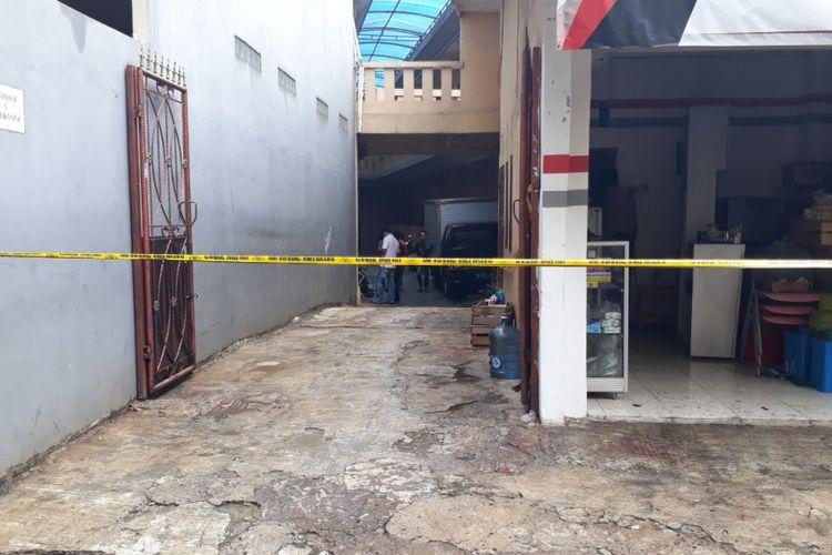 Satu keluarga ditemukan tewas dibunuh di sebuah rumah kontrakan di Jalan Bojong nangka II RT 002 RW 07, Kelurahan Jatirahayu, Kecamatan Pondok Melati, Kota Bekasi, Selasa (13/11/2018).