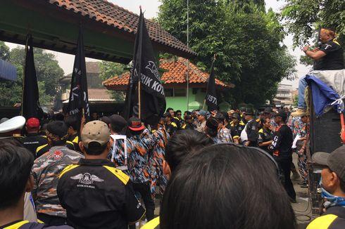 Diduga Manipulasi Pajak, Bapenda Kota Bekasi Didemo Massa GMBI
