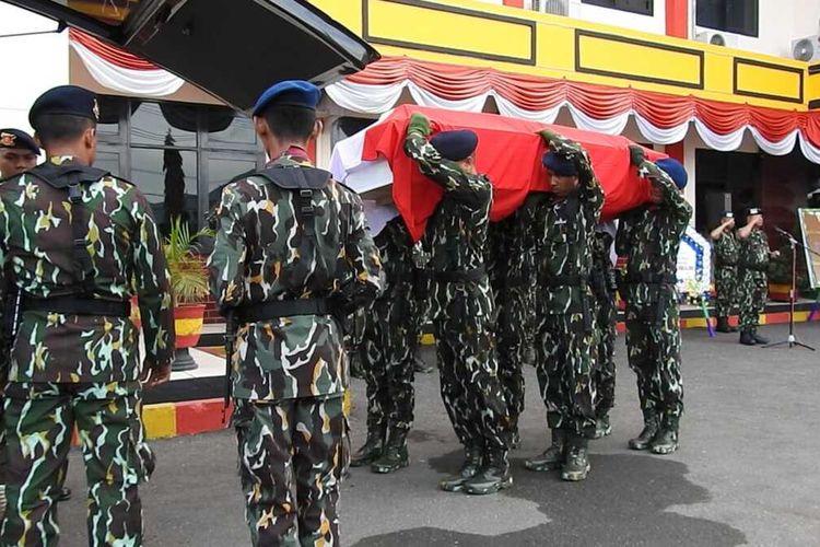 Jenazah Mohammad Syaiful Modori diterbangkan ke Pandeglang Banten, untuk dimakamkan di kampung halamannya, Sabtu (14/12/2019).