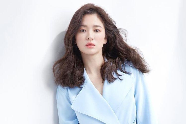 Salah satu artis kenamaan Korea Selatan, Song Hye Kyo.