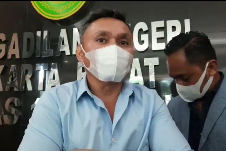 Nus Kei ketika ditemui wartawan saat menghadiri sidang John Kei di Pengadilan Negeri Jakarta Barat, Rabu (27/1/2021).