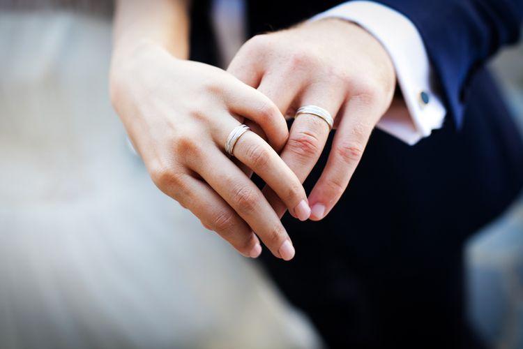 Ilustrasi cincin kawin