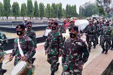 Marching Band TNI Iringi Peti Jenazah Jakob Oetama Menuju Peristirahatan Terakhir di TMP Kalibata