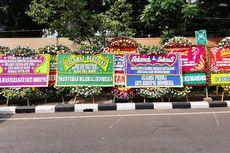 Jelang Pergantian Pimpinan KPK, Karangan Bunga Berjejer di Gedung Merah Putih