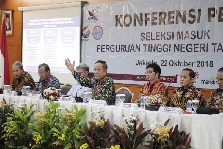 Kemenristekdikti telah menetapkan kebijakan baru terkait SBMPTN 2019 pada konferensi pers di Gedung Kemenristekdikti, Jakarta, 22 Oktober 2018.