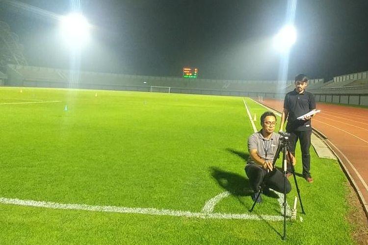 Kunjungan PT LIB guna menguji kelayakan Stadion Sport Center, Kelapa Dua, Tangerang yang akan menjadi markas mereka untuk Liga 1 2020 mendatang, pada Kamis (12/12/2019).