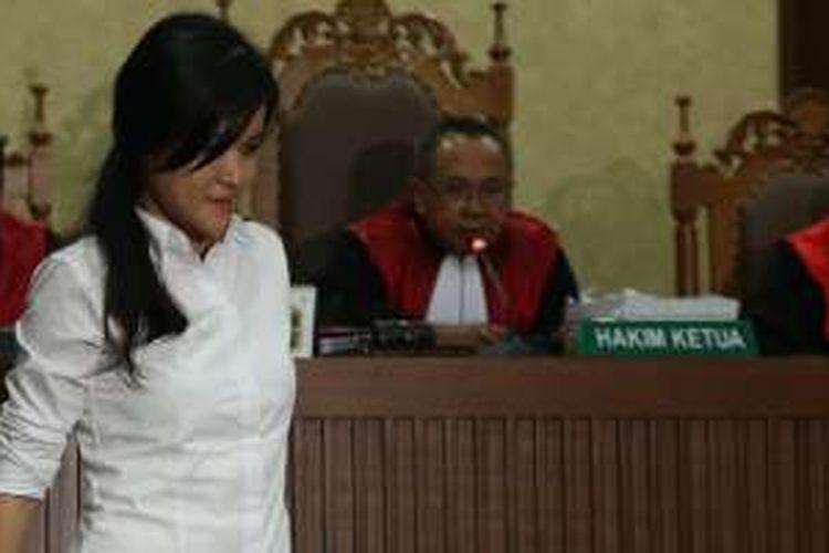 Terdakwa Jessica Kumala Wongso hendak menjalani sidang dengan agenda tuntutan di Pengadilan Negeri Jakarta Pusat, Rabu (5/10/2016). Ia menjadi terdakwa terkait dugaan kasus pembunuhan Wayan Mirna Salihin.