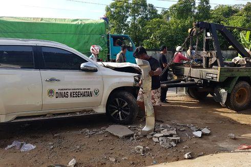 Mobil Ketua DPRD Melawi Tabrak Pasutri, Motor Terseret 5 Meter, Suami Tewas, Istri Kritis