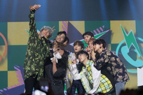 Sehun EXO Swafoto Pakai Ponsel Penonton, Histeria Membahana