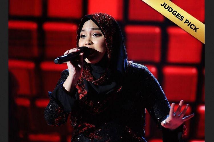 Siti Saniyah, penyanyi asal Indonesia yang langsung melaju ke babak final atas pilihan juri atau judges pick.
