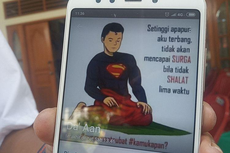 WhatsApp milik Captain Afwan, yang menampilkan ilustrasi Superman sedang melaksanakan sholat disertai sebuah kalimat sebelum peristiwa jatuhnya pesawat Sriwijaya Air SJ 182, foto itu kemudian viral di media sosial sejak Minggu (10/1/2021) sampai Senin (11/1/2021).