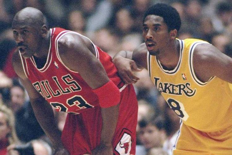 Pertemuan antara Michael Jordan dan Kobe Bryant dalam sebuah pertandingan NBA yang melibatkan Chicago Bulls vs Los Angeles Lakers.
