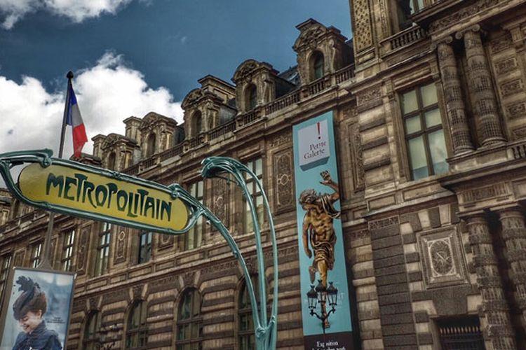 Metro Paris, stasiun kereta bawah tanah di Perancis.