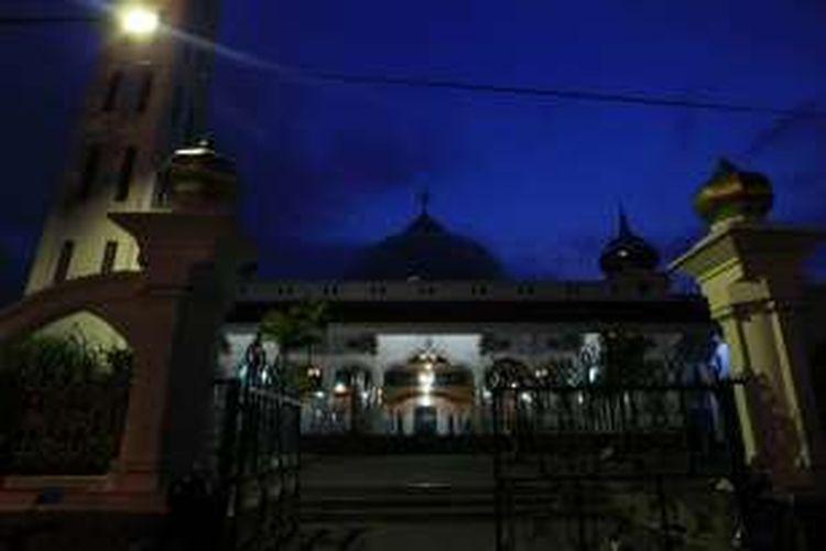 Masjid Agung Pemalang, Jalan Mochtar, Kota Pemalang, Jawa Tengah, Rabu (6/7/2011).