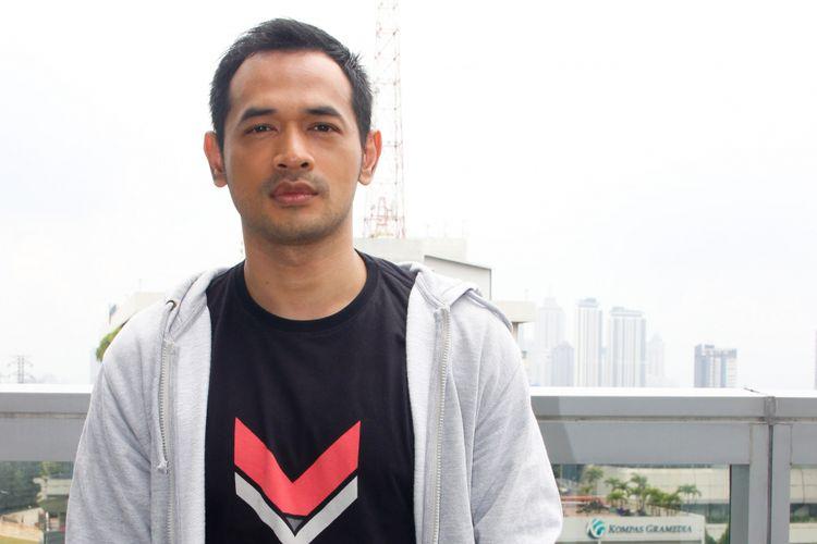 Artis peran Oka Antara saat berkunjung ke redaksi Kompas.com di Menara Kompas, Palmerah Selatan, Jakarta Barat, Senin (4/2/2019).
