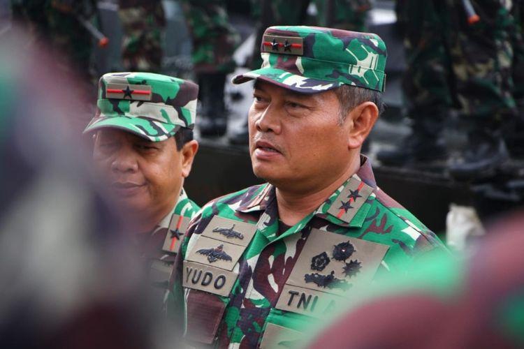 Panglima Komando Gabungan Wilayah Pertahanan (Pangkogabwilhan) I Laksdya TNI Yudo Margono melaksanakan pengendalian operasi siaga tempur terkait dengan adanya pelanggaraan di wilayah perairan laut Natuna Utara, Natuna, Kepulauan Riau.