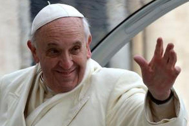 Paus Fransiskus menjadi paus pertama yang wajahnya menghiasi sampul majalah