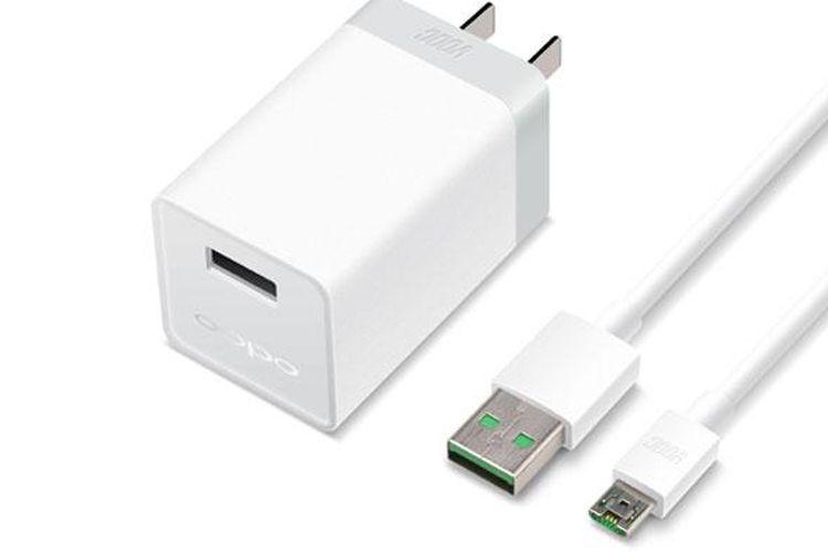 Teknologi VOOC Flash Charging didukung dengan smartchip MCU yang mengatur arus listrik secara otomatis.