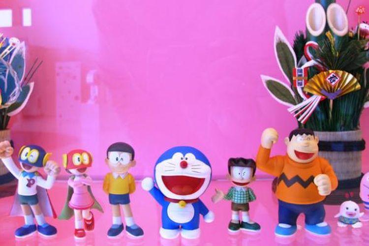 Berbagai macam karakter ciptaan Hiroshi Fujimoto diwujudkan dalam bentuk-bentuk kreatif yang menggugah kenangan pengunjung Museum Fujiko F. Fujio di Kota Kawasaki, Jepang.